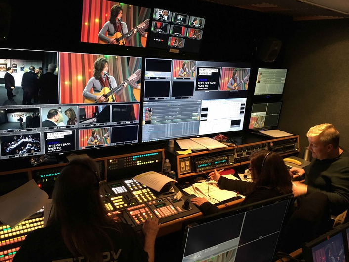 Mobile production specialist manages all production elements for star-studded live television event to aid victims of East Tennessee wildfires