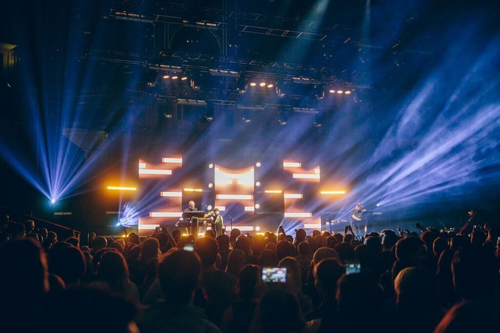 Philips Showline delivers 'distorted reality' strobing on Chvrches' global tour