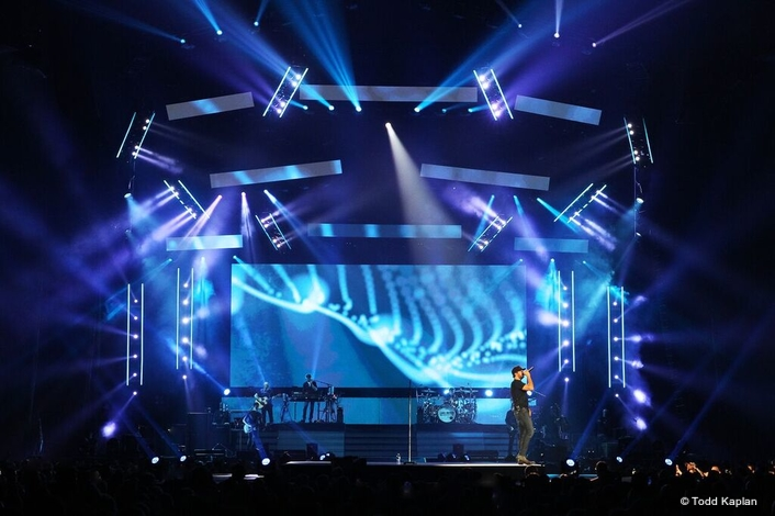 "Elite Multimedia shows ""What Makes You Country"" on the Luke Bryan tour"