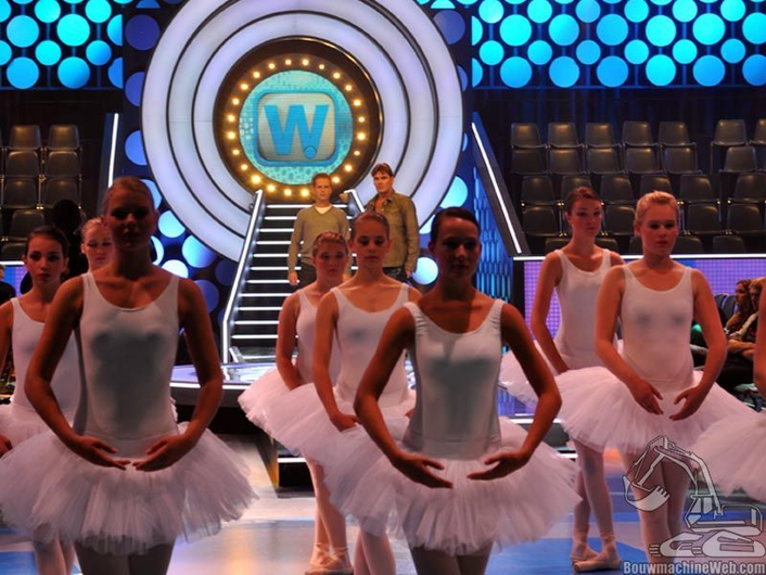 Dutch first major entertainment show produced with entirely virtual set