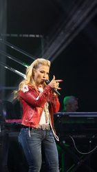 Anastacia tour carries an Ultimate Collection of Sennheiser equipment