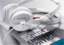 THE ultimate Headphones for Robin Schulz Fans – Sennheiser UNVEILS A LIMITED-EDITION WHITE HD 25 WITH THE STAR DJ'S SIGNATURE