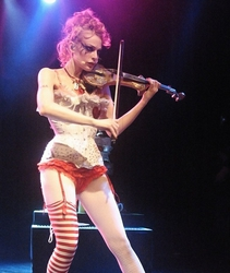 Emilie autumn live so? congratulate