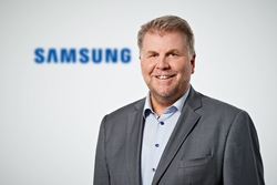 LANG and Samsung strengthen their cooperation in the         professional LED segment