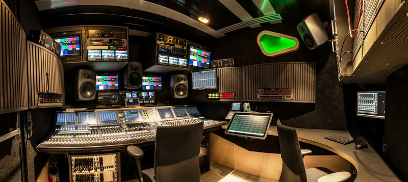 Ob trucks videohouse hd one live production tv for Interphone interieur