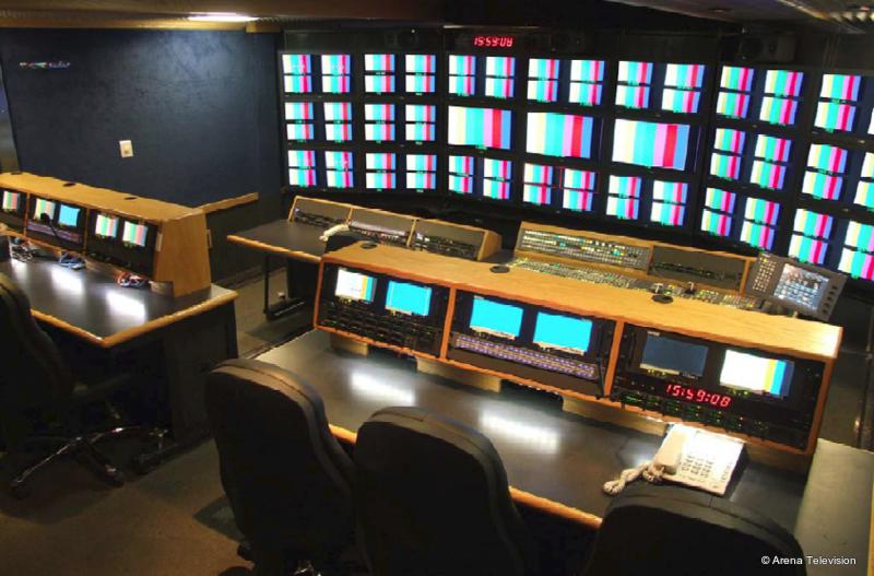 Ob trucks arena ob 10 live production tv for Interieur u arena